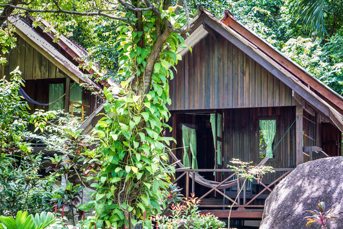 Pure Flow Yoga Retreat: simple bungalow accommodation Bamboo Huts