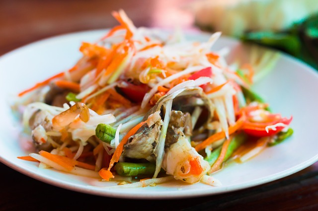 thai papaya salad thailand yoga retreat food
