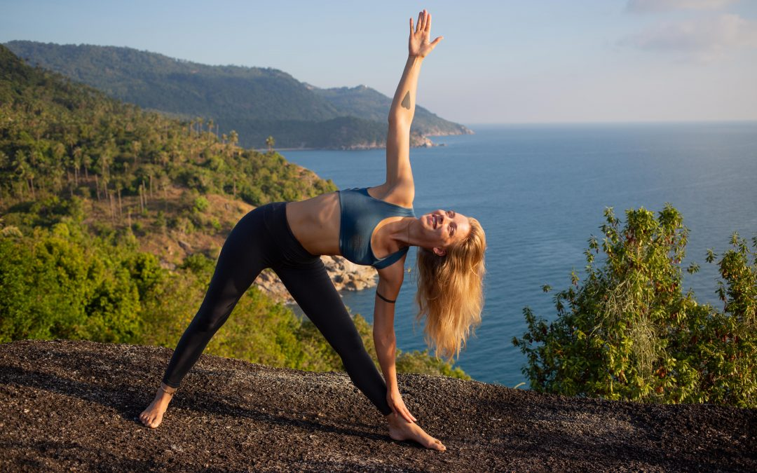 How to Choose a Yoga Teacher Training: Top 10 Tips for Consideration